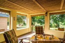 überdachte Terrasse Ferienwohnung 3 - Landhaus Rügeband